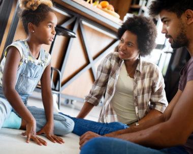 Como faço meu filho me obedecer sem gritar?