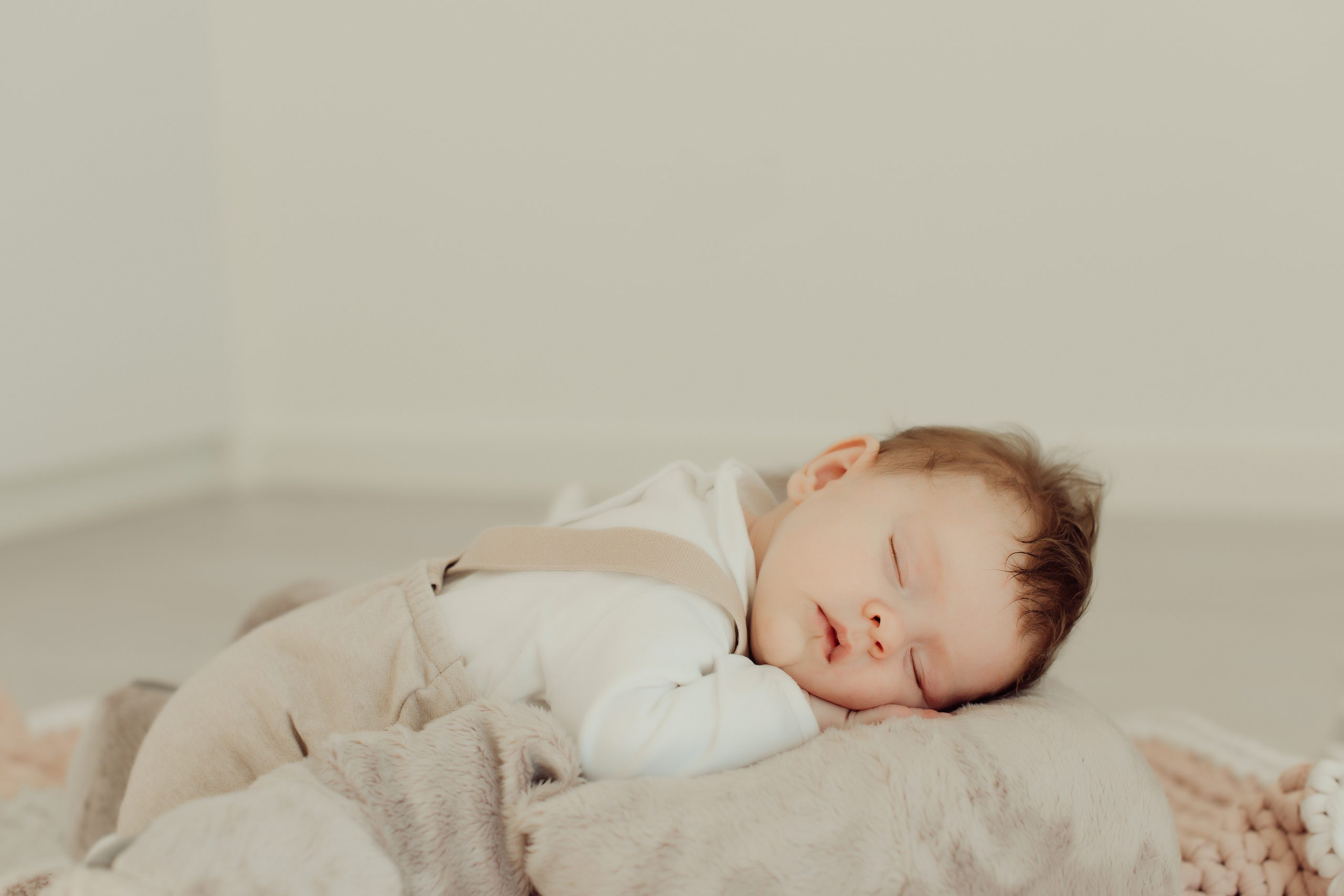 Portrait of a newborn baby sleeping - Natural and soft Light