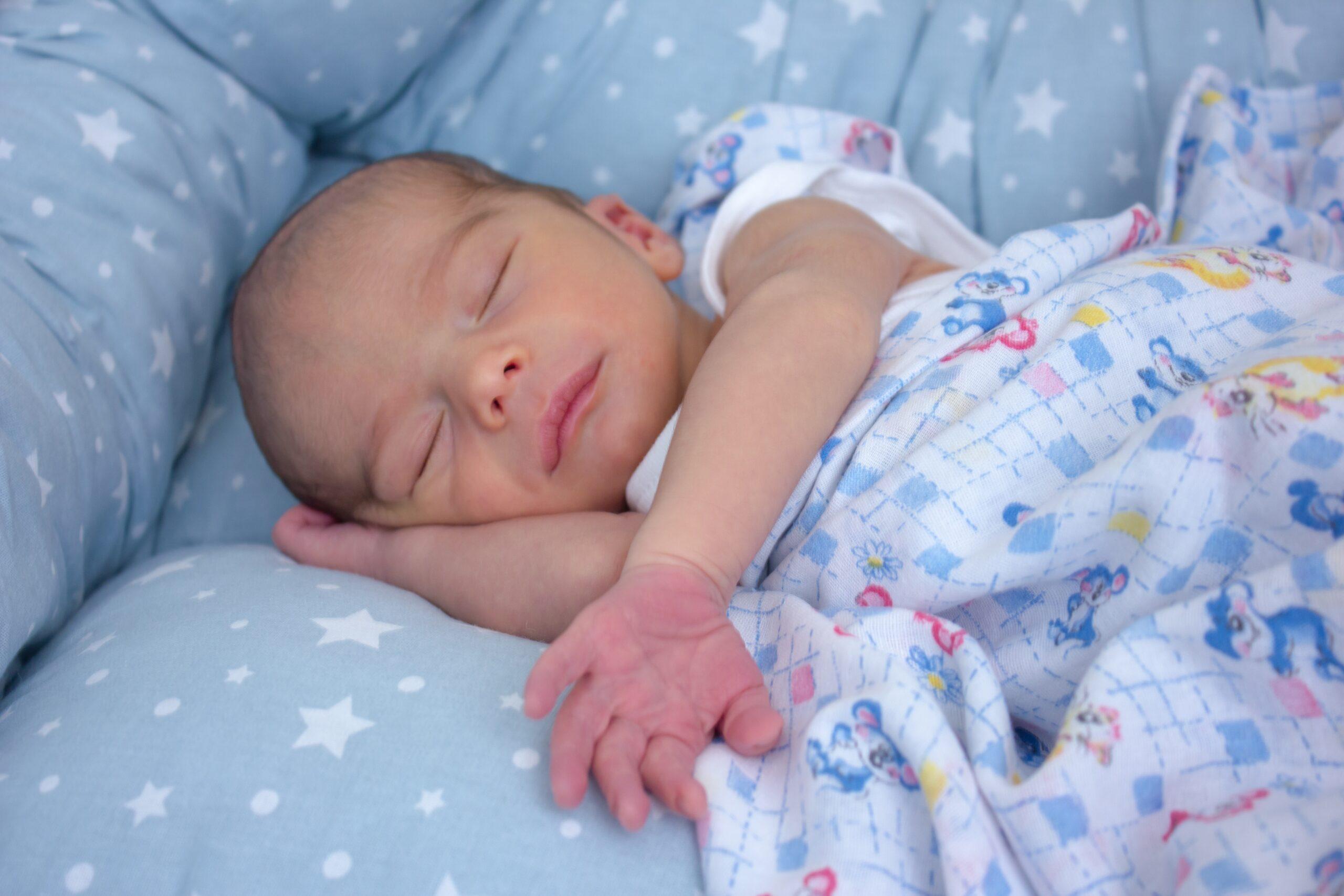 O bebê pode dormir no ninho?